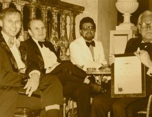 Piet, Dai Vernon, Joe Cassari, andMike Skinnner